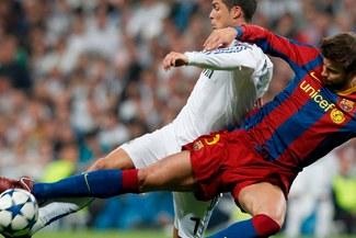 Hinchas del Barcelona casi agreden al defensa Gerard Piqué
