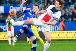 Zlatan Ibrahimovic se lució con pase de taco para Ezequiel Lavezzi [VIDEO]