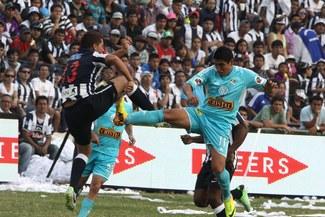 Sporting Cristal y Alianza Lima empataron 2-2 en un partidazo