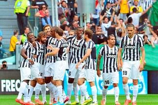 Juventus goleó 3 – 0 a Cagliari y llegó a 102 puntos en el 'Calcio' [VIDEO]