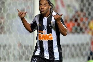 Ronaldinho: Atlético Mineiro pide explicaciones a 'Dinho' tras no ir a partido de despedida de Deco
