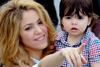 Milán Piqué, hijo de Shakira y del defensa del Barcelona ya lee algunas palabras [VIDEO]