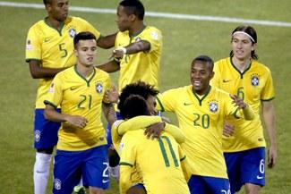 Brasil clasificó a cuartos de final de la Copa América tras vencer 2-1 a Venezuela