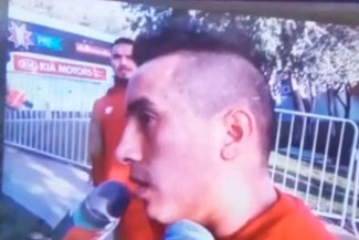 Selección peruana: Juan Vargas le regaló esta caricia a Christian Cueva mientras declaraba [VIDEO]