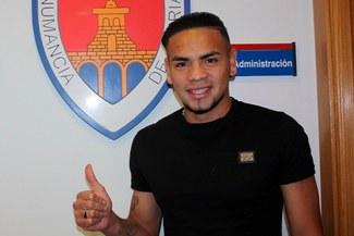Alexander Callens, nuevo jugador del Numancia de España