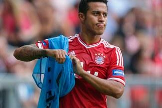 Bayern Múnich pierde casi un millón de dólares por partido debido a lesión de Thiago Alcántara