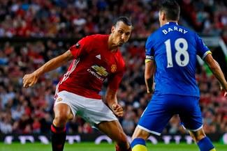 """Manchester United: Zlatan va hoy por su primer título con los """"Devils"""""""