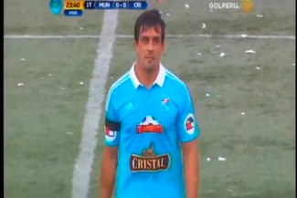 Municipal vs. Sporting Cristal: Diego Ifrán fue cambiado en el primer tiempo y estalló en furia   VIDEO