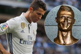 Cristiano Ronaldo  ¿cómo sería su aspecto según su busto   VIDEO  a54cb3483f9ca