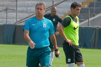 Prensa uruguaya informó sobre el mal momento de Pablo Bengoechea y Luis Aguiar en Alianza Lima