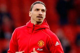 Manchester United comunica a Zlatan Ibrahimovic que no seguirá en el equipo la próxima temporada
