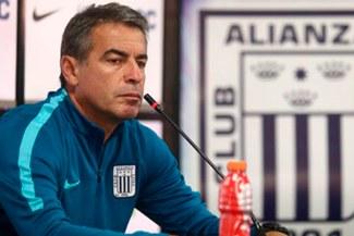 Alianza Lima: Pablo Bengoechea analiza reforzar el equipo ante la partida de Hansell Riojas