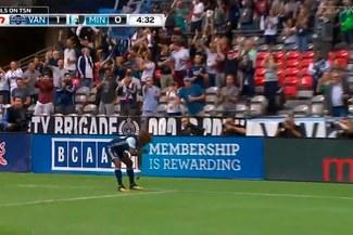 Yordy Reyna y su golazo en la MLS con celebración de la 'Garrotera' [VIDEO]
