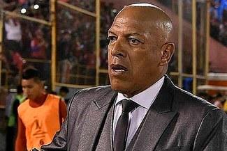 Roberto Mosquera fue criticado por extécnico de Sport Huancayo tras humillante derrota en Copa Libertadores