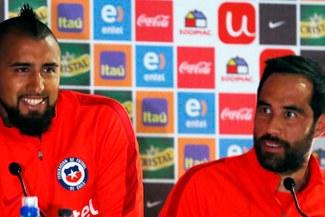 Selección chilena: acusan a Claudio Bravo de 'traidor' y a Arturo Vidal de 'borracho'