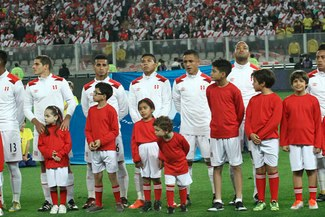 Selección peruana: FIFA multó a la FPF por este accionar de los hinchas en partido ante Nueva Zelanda