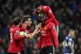 ¡CON LAS JUSTAS! Manchester United venció 2-1 al West Bromwich y sigue segundo en la Premier League [VIDEO]