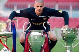 Víctor Valdés puso punto final al fútbol profesional de una singular manera