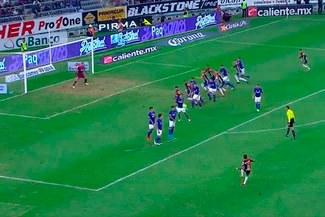¡TREMENDO! Alexi Gómez y su espectacular centro en el fútbol mexicano [VIDEO]
