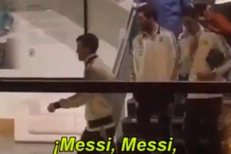 Rusia 2018: El impresionante recibimiento que tuvo Messi en Inglaterra [VIDEO]