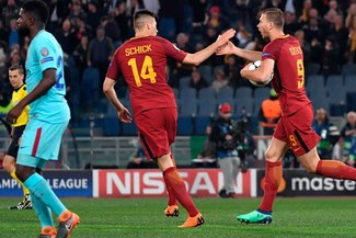 Roma vs. Barcelona: Dejaron solo en defensa a Edin Dzeko y facturó el 1-0 [VIDEO]