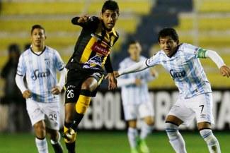 Atlético Tucumán venció por 3-0 a The Strongest y sube al segundo lugar del grupo C de la Copa Libertadores [Resumen y goles]