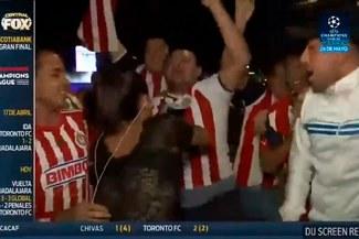 Facebook: Reportera de Fox Sports sufrió acosó en vivo y se peleó con hincha [VIDEO]
