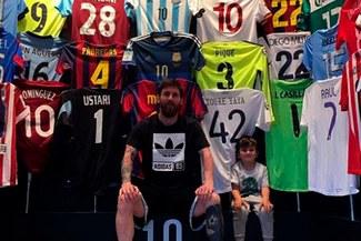 Lionel Messi presentó su museo de camisetas en Barcelona [VIDEO]