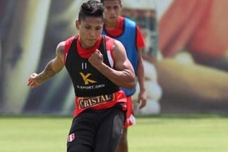 Raúl Ruidiaz hace fútbol en su segundo día de entrenamientos en la Videna [VIDEO]