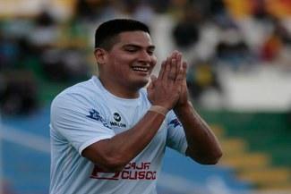 ¡TIRÓ LA CAMISETA! Diego Mayora abandonó Real Garcilaso tras entrenar en la reserva