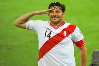 ¡UNA MÁS DEL 'BOMBARDERO'! Claudio Pizarro será protagonista de serie 'Capitanes de América'