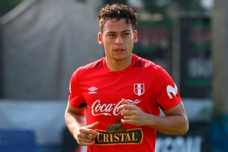 ¡Un hincha más! Cristian Benavente estaría hoy en el estadio Nacional