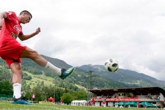 Paolo Hurtado se lució con tremendo golazo directo al ángulo [VIDEO]