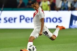 Rusia 2018: Perú vs Dinamarca y el tiro de Yoshimar Yotún al arco de Dinamarca [VIDEO]