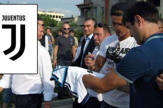 Ésta es la primera camiseta de la Juventus firmada por Cristiano Ronaldo [FOTOS]