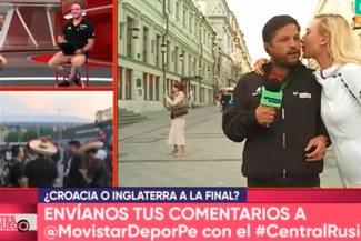 Pedro García recibe imprevisto beso de rusa en las calles de Moscú [VIDEO]