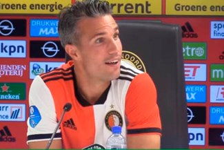 Robin van Persie recibió 'incómoda' pregunta en rueda de prensa [VIDEO]
