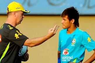 "Mano Menezes: ""Neymar perjudica el juego de Brasil"" [VIDEO]"