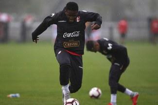 """Jefferson Farfán será el """"9"""" de la Selección Peruana ante Holanda"""