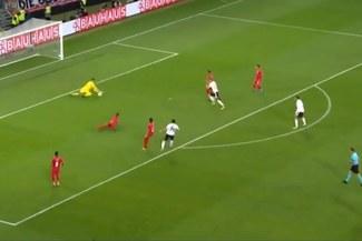 Perú vs. Alemania: Nico Schulz marca el 2-1 tras otro error en salida de la 'bicolor' [VIDEO]