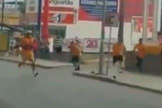 Hincha de Tigres es brutalmente agredido por fanáticos de Monterrey [VIDEO]