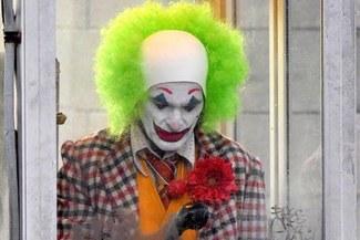 Joker: Nuevas imágenes desde el set de grabación revelan tenebrosa apariencia de Joaquin Phoenix [FOTOS]