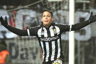 Cristian Benavente anotó gol y fue figura en el Royal Charleroi