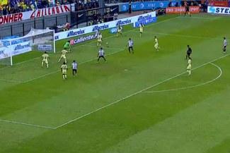 Alan Pulido marca el 1-0 tras una gran jugada de Van Rankin a lo Cafú en el clásico mexicano [VIDEO]