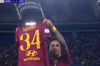La emotiva dedicatoria de Justin Kluivert tras anotar su primer gol con AS Roma en Champions League [VIDEO]