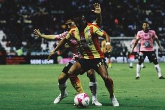 Monarcas Morelia venció 2-1 con asistencia de Edison Flores al Club León de Pedro Aquino [RESUMEN Y GOLES]