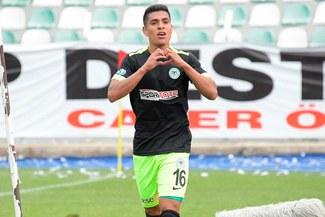 Paolo Hurtado le amargó la fiesta al Besiktas con un gol para el Konyaspor [VIDEO]