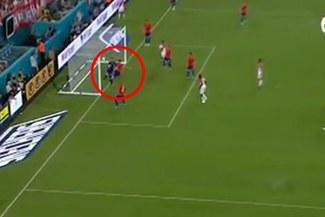 Perú vs. Chile EN VIVO: el autogol de Enzo Roco que pone el 1-0 para la 'Bicolor' [VIDEO]