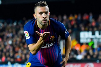 Campeón de Champions League se fija en Jordi Alba