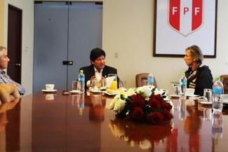 Edwin Oviedo, Juan Carlos Oblitas y Ricardo Gareca sostuvieron reunión de trabajo